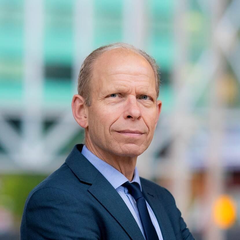 Mr G.W. (Gerrit) van der Burg LLM