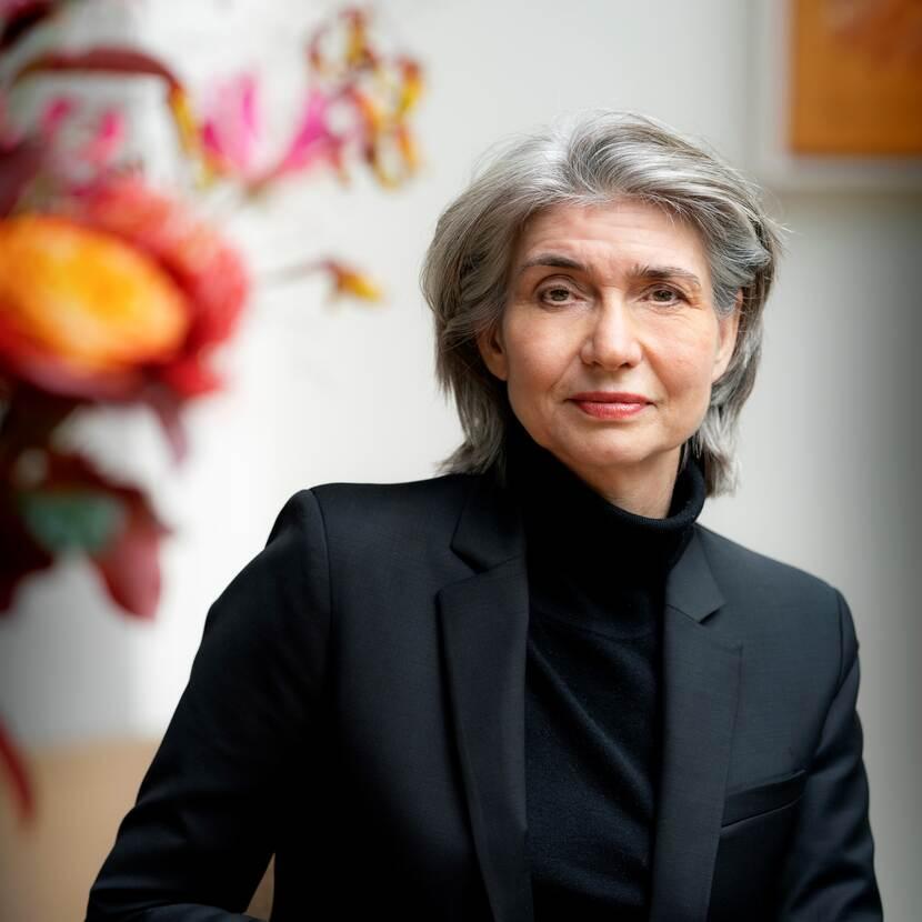 Mrs Professor E.M.L. (Lokke) Moerel LLM